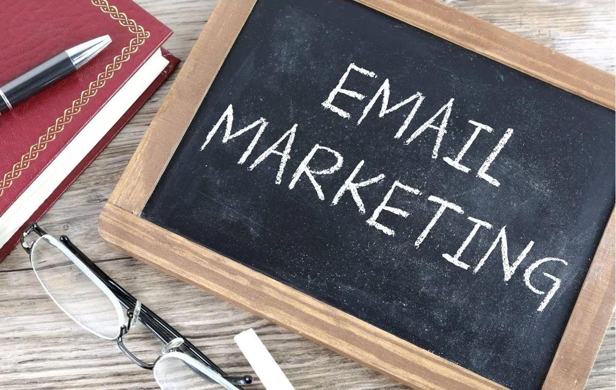 small blackboard showing words email marketing - Suffolk copywriter - Suffolk copywriting